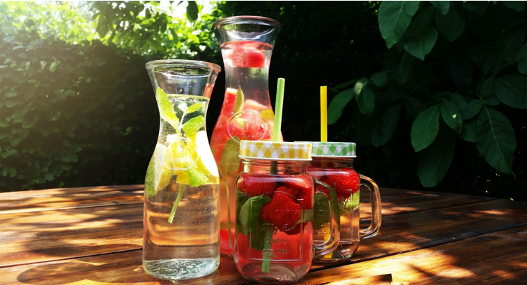 5 Healthy Fruit Water Recipes!